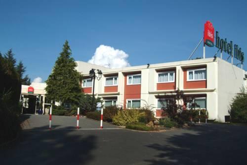 Ibis charleville mezieres hotel villers semeuse france for Reservation hotel france moin cher