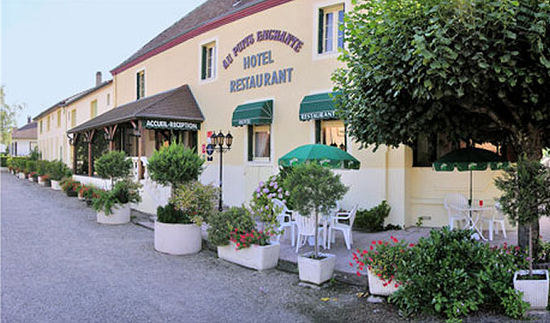 Logis au puits enchant hotel saint martin en bresse for Reservation hotel france moin cher