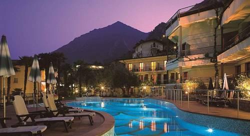 Hotel Royal Village Limone Sul Garda Hotel In Italien Jetzt 30