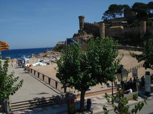 Hostal Victoria Tossa de Mar, Hotel Spain. Limited Time Offer!