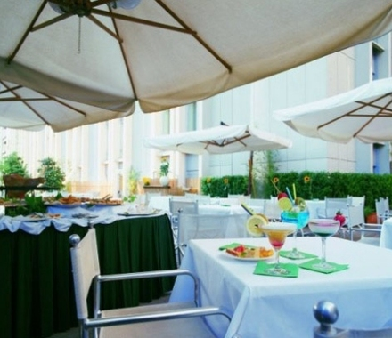 Una hotel tocq hotel milano italie prix r servation for Reservation hotel pas cher