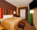 Comfort Suites Lake Country Hotel