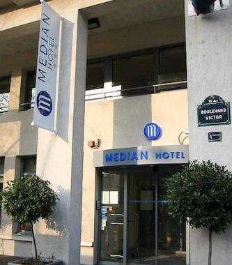 Median paris porte de versailles hotel paris france - Hotel median paris porte de versailles ...