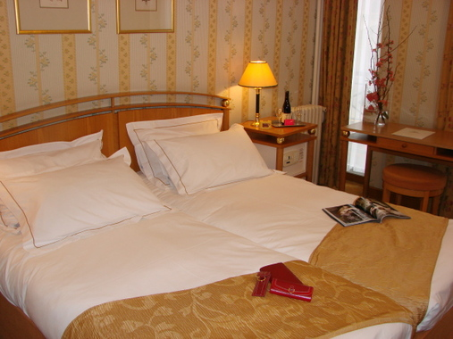 H tel cordelia op ra madeleine hotel paris france for Reservation hotel paris pas cher