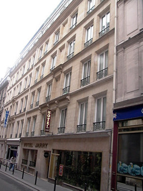 H tel jarry confort hotel paris france prix for Reservation hotel paris pas cher
