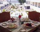 Savannah Hotel