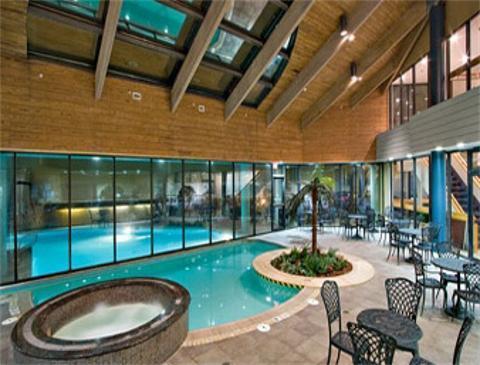 wyndham virginia beach oceanfront virginia beach hotel. Black Bedroom Furniture Sets. Home Design Ideas