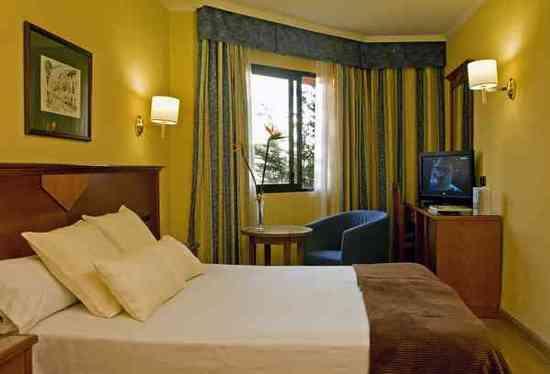 Hotel alixares hotel granada null prix r servation for Prix hotel moins cher