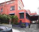 Kiwi International Queen Street Hotel and Hostel