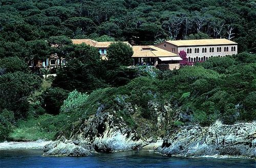 Mas du langoustier hotel hyeres france prix for Reservation hotel france moin cher