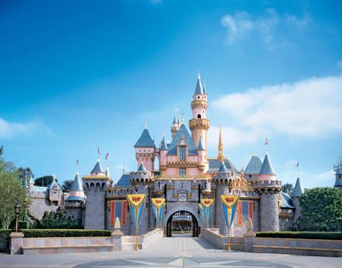 Disney S Paradise Pier Hotel On Disneyland Resort