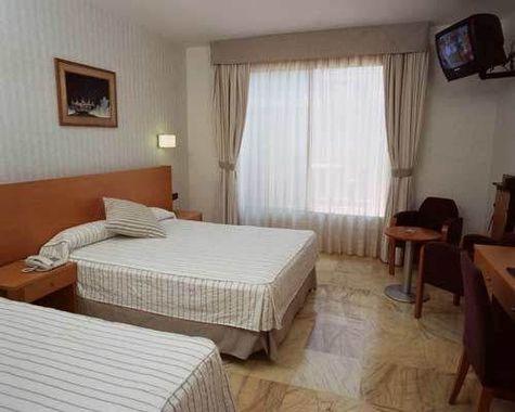 Flor parks hotel barcelona espagne prix r servation for Hotel pas cher catalogne