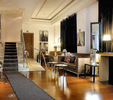 Quatro puerta del sol madrid hotel en espa a descuentos for Puerta del sol madrid mapa