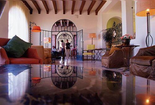 Hotel delos ile de bendor hotel bandol null prix for Carte des formule 1 hotel en france