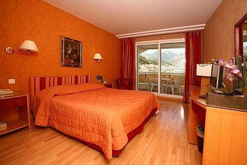 riva h tel hotel menton france prix r servation moins cher avis photos vid os. Black Bedroom Furniture Sets. Home Design Ideas