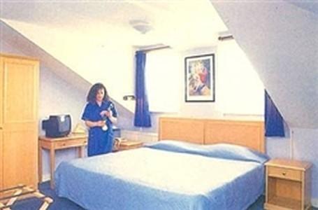 Booking Pembury Hotel