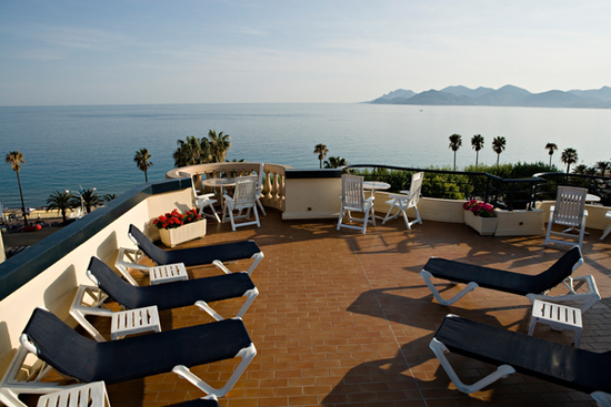 Hotel belle plage brougham hotel cannes france prix for Prix hotel en france