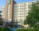 Quality Hotel & Suites Cincinnati Central