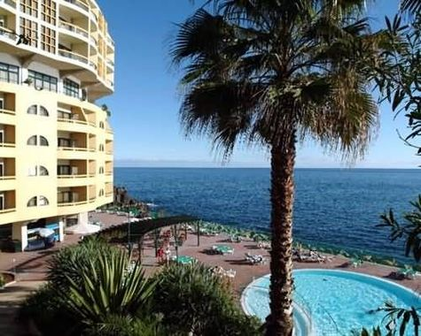 Pestana palms ocean aparthotel hotel funchal portugal for Chaine hotel pas cher portugal