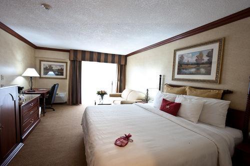 Rooms: Crowne Plaza Resort Asheville Asheville, Hotel Null