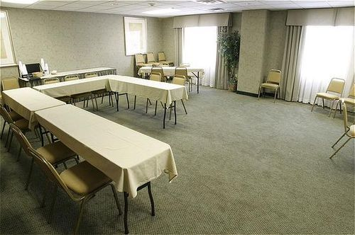 Holiday Inn Express Hotel & Suites Gahanna - Columbus Airport East ...