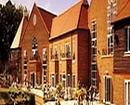 Tudor Park Hotel