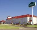 La Quinta Inn & Suites Shawnee Hotel