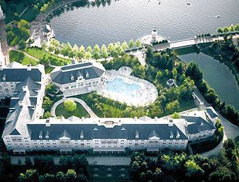 disney 39 s newport bay club hotel precy sur marne france prix r servation moins cher avis. Black Bedroom Furniture Sets. Home Design Ideas