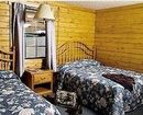 Trail's End Log Cabins