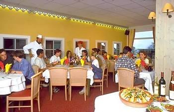 Club belambra lou sarri hotel gourette france prix for Reservation hotel france moin cher