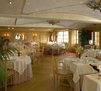 Hotel le chabichou hotel courchevel france prix for Prix hotel moins cher