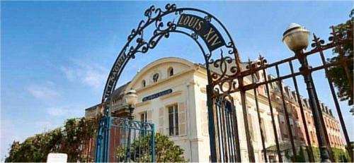 Pavillon Henri Iv Saint