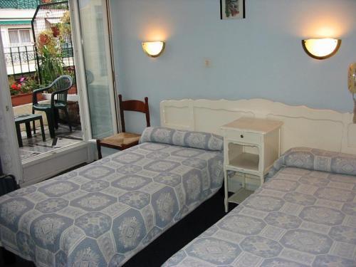 h tel de verdun nice hotel france limited time offer. Black Bedroom Furniture Sets. Home Design Ideas