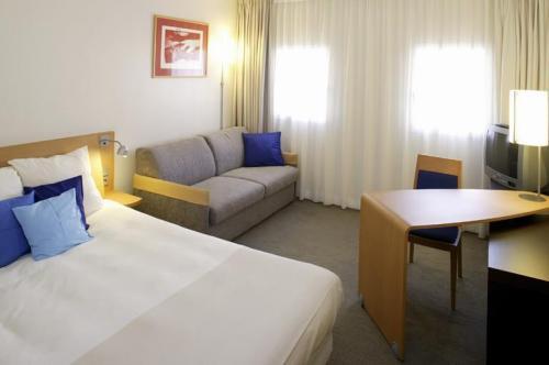 novotel bordeaux le lac hotel bordeaux france prix r servation moins cher avis photos vid os. Black Bedroom Furniture Sets. Home Design Ideas