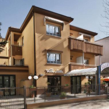 Hotel villa lalla hotel rimini null prix r servation for Prix hotel moins cher