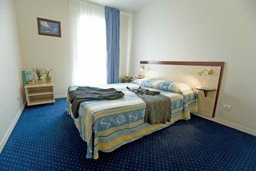 appart 39 city poissy hotel poissy france prix r servation moins cher avis photos vid os. Black Bedroom Furniture Sets. Home Design Ideas