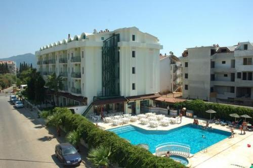 Seray hotel hotel marmaris turquie prix r servation for Site reservation hotel moins cher