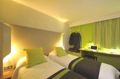 Campanile paris porte d 39 italie le kremlin bic tre paris hotel france limited time offer - Hotel formule 1 porte d italie ...