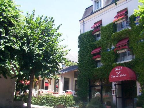 Hotel Val De Loire, hotel Azay-le-Rideau - France - prix réservation ...