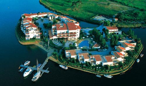 h tel thalasso spa ile de la lagune saint cyprien hotel. Black Bedroom Furniture Sets. Home Design Ideas