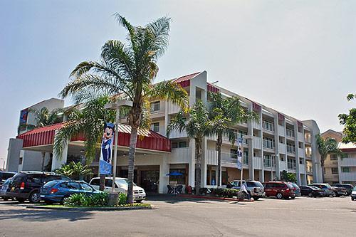 Motel 6 Anaheim Maingate Orange County, Hotel null  Limited