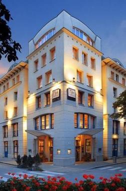 Nh salzburg city salzburg hotel in null jetzt 30 for Design hotel salzburg
