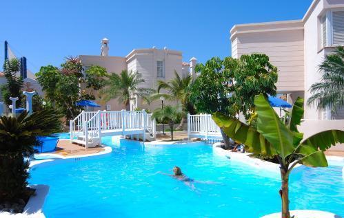 Castalia park los brezos hotel adeje tenerife espagne for Reservation appart hotel espagne