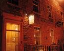 De Averell Guest House