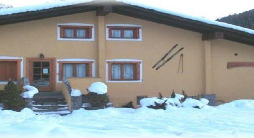 Chalet Alpina La Thuile, Hotel Italy. Limited Time Offer!