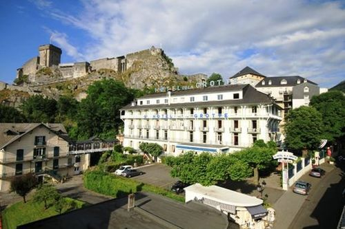 Hotel vesuvio hotel lourdes france prix r servation for Prix hotel en france